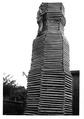 Beni Altmueller beim Aufbau eine Daubenkasten Gramastetten 1960©beni altmueller.tif