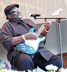 Big Jack Johnson při koncertě na Chicago Blues Festival, 2009