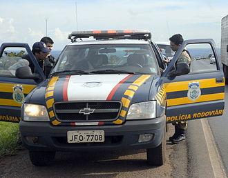 Federal Highway Police - A Federal Highway Police truck, on Highway BR-040, near Valparaíso, Goiás.