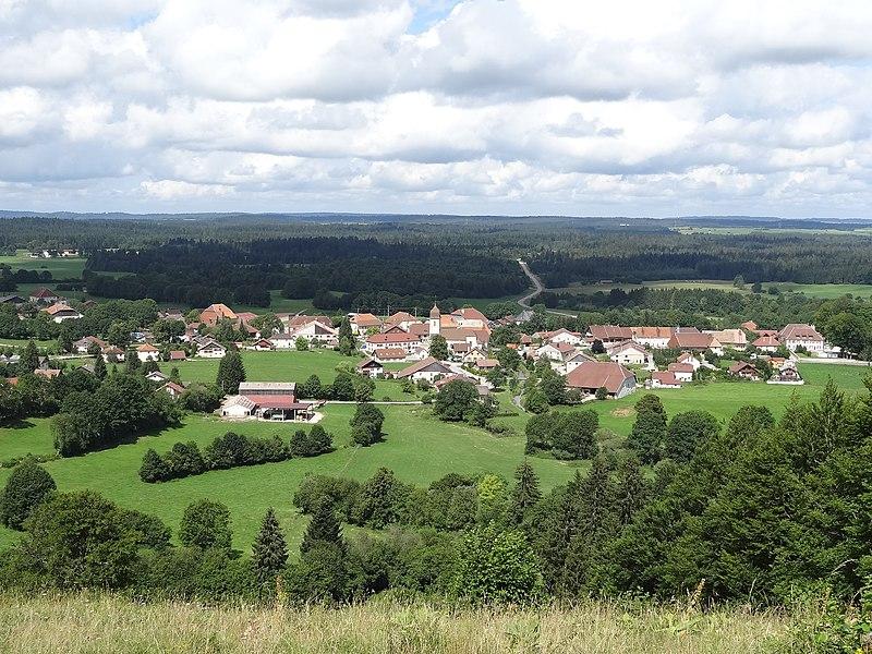Bonnevaux (Doubs) - vue générale depuis la côte de Bonnevaux en direction du nord-ouest
