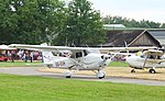 Brasschaat Cessna Skyhawk OO-EVH 04.jpg