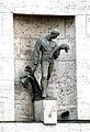 Bratislava Kamenne namesie bronzova plastika.jpg