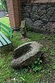 Bredenfelde Steine vor der Kirche.jpg