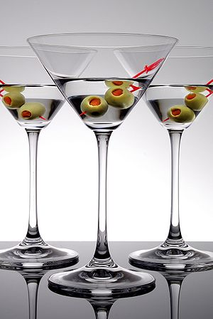Martini (cocktail) - Three Martinis with olives as a garnish