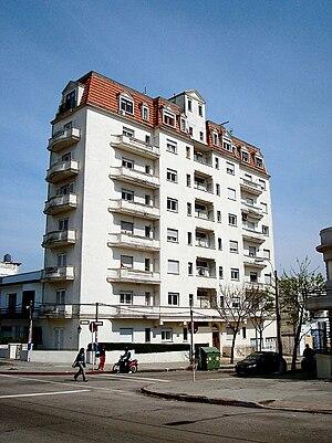 La Comercial - Apartment building in La Comercial