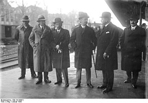 István Bethlen - Bethlen and the Hungarian delegation in the Hague