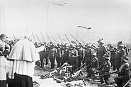 Bundesarchiv Bild 102-12135, Österreich, Fahnenweihe bei der Armee