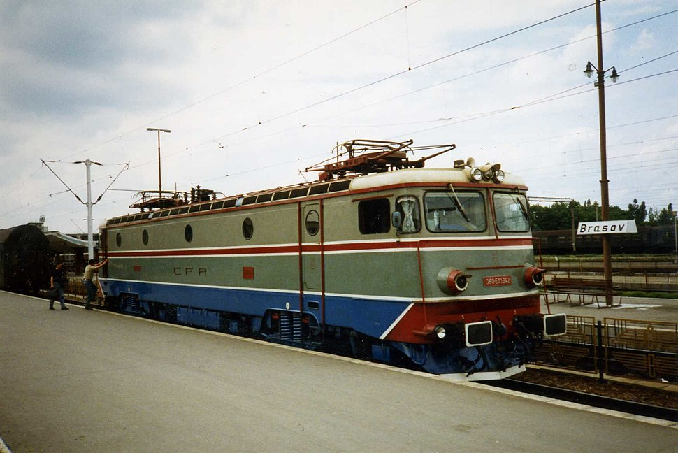 CFR electric locomotive 060 EA1 242 at Braşov Gara May 1994