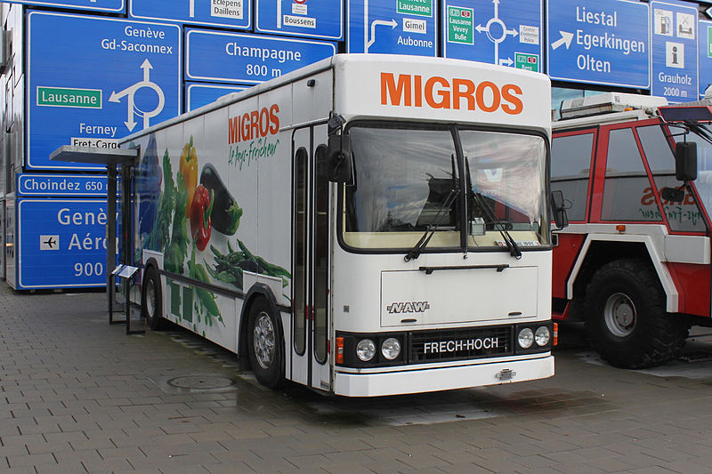 File:Camion Migros VHS 111210.jpg