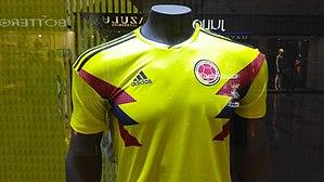 98de11e3736 Uniforme de la selección de fútbol de Colombia - Wikipedia, la ...