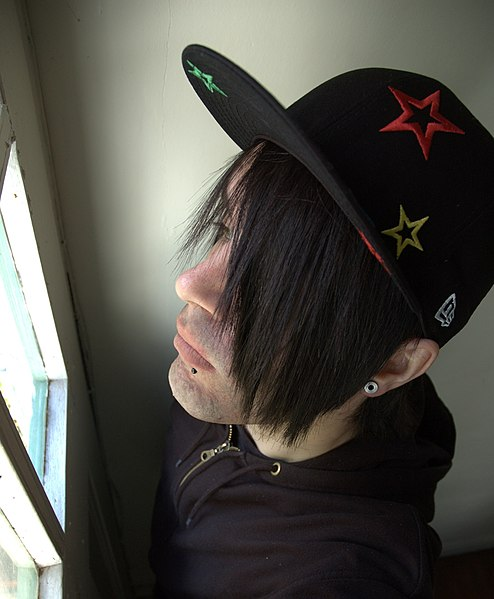 File:Cap with Stars on It --) ( Snakebites Snakebite lip piercing new era cap emo hair scene ).jpg