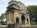 Carlton Browne - Arc de triomphe d-Orange (by).jpg