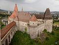Castelul Corvinilor din Hunedoara vedere de sus.jpg