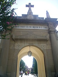 Cementiri Vell Igualada - porta d'entrada.JPG
