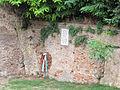 Cesena, rocca malatestiana, fossato, lapide 3 settembre 1944.JPG