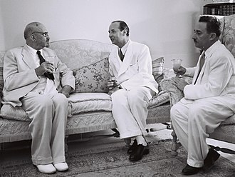 Chaim Weizmann - Weizmann (left) with first Turkish ambassador to Israel, Seyfullah Esin (c), and Foreign Minister Moshe Sharett, 1950