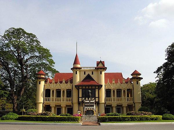 Sanam Chandra Palace