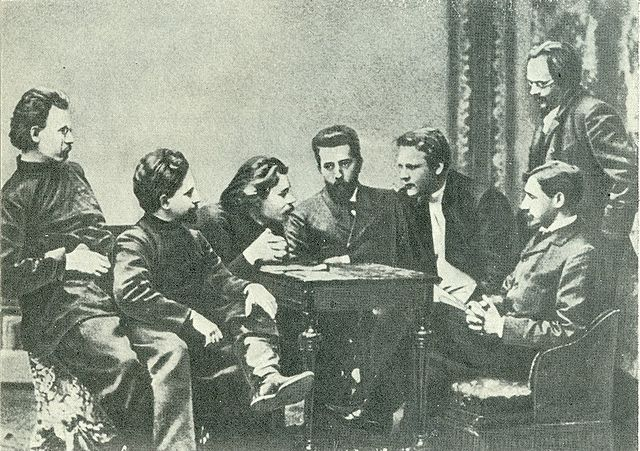 Участники литературного кружка «Среда». Слева направо: С. Г. Скиталец, Л. Н. Андреев, М. Горький, Н. Д. Телешов, Ф. И. Шаляпин, И. А. Бунин (сидит справа), Е. Н. Чириков. 1902