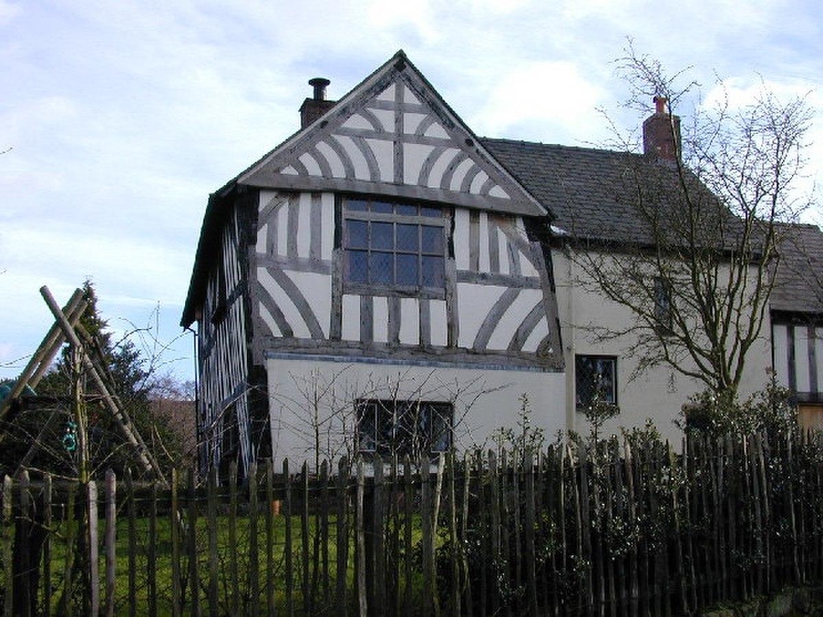 Chantry House, Bunbury, built 1527 - geograph.org.uk - 108626.jpg