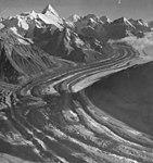Chedotlothna Glacier, August 1957 (GLACIERS 5105).jpg