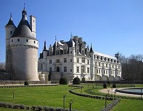 Vue du château depuis les jardins de Catherine de Médicis