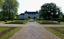 Chevigny-Saint-Sauveur - Chateau 1.jpg