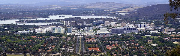 Canberra Civic viewed from Mount Ainslie with Lake Burley Griffin and Mount Stromlo in the background. City Centre viewed from Mount Ainslie lookout.jpg