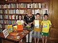 """Claudia Partole la o întâlnire cu copiii la biblioteca """"Ovidius"""".jpg"""