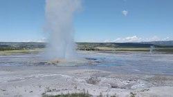 File:Clepsydra geyser 20190715 111455 VID.webm