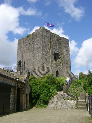 Clitheroe Castle, founded by Robert de Lacy Clitheroe Castle.JPG