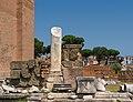 Colonne tronquée, Forum Romanum, Rome.jpg