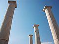 Columnes del pati de la casa de Dionís, Delos.JPG