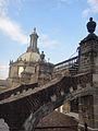 Contrapicada del campanario de la Catedral Metropolitana de la CDMX.jpg