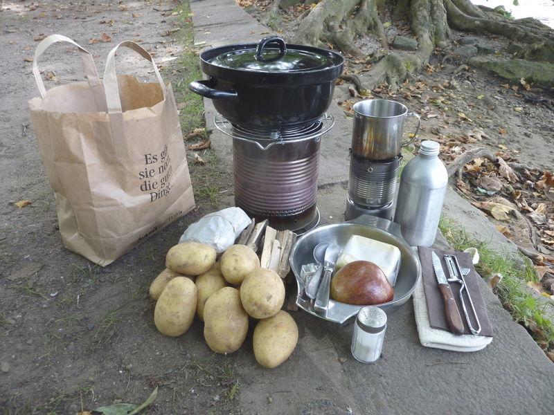 File:Cooking potatos on a large hobo stove 01.jpg