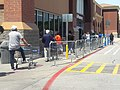 Coronavirus line at walmart abril 2020 arlington Texas (1) 02.jpg
