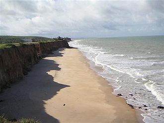 Mucuri - Costa Dourada beach and its cliffs: the first beach in Bahia from south to north.