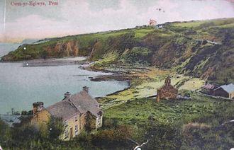 Cwm-yr-Eglwys - An old postcard picture of Cwm-yr-Eglwys (c.1910)