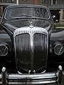 Daimler DR450 Majestic Major Limousine Grille.jpg