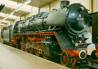 Smoke deflectors - DRG Class 45 locomotive fitted with smaller Witte-type smoke deflectors
