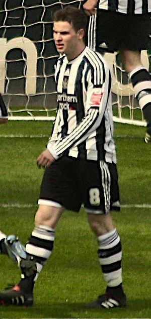 Danny Guthrie - Guthrie playing for Newcastle United in 2010