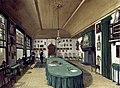 De vergaderzaal van het genootschap Kunst Wordt Door Arbeid Verkregen Rijksmuseum Amsterdam SK-C-1775.jpg