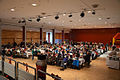 Die!!! Weihnachtsfeier 2013, 073 Rund 300 Kinder konnten in einem gesonderten Raum der Glashalle im Hannover Congress Centrum an den gedeckten Tischen Platz nehmen.jpg