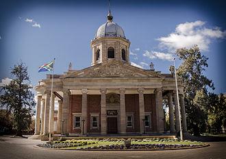 Free State Provincial Legislature - Image: Die Vierde Raadsaal, President Brand Street, Bloemfontein, Free State, South Africa