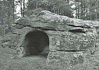 Dolmen tomb Hlyabovo BG.jpg