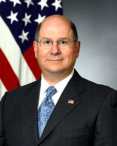 Donald Winter, official photo as Secretary of the Navy, 2006.jpg