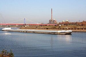 Duisburg - Am Bört - Ruhr - River Dance 01 ies.jpg