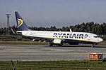EI-EFX 737 Ryanair OPO.jpg