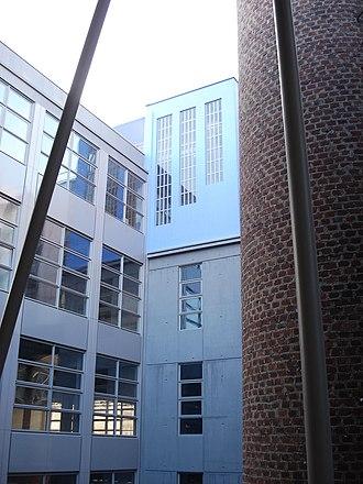 École Nationale Supérieure d'Architecture de Paris-Belleville - Image: ENSAPB cour Burnouf