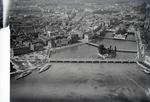 ETH-BIB-Genf = Genève, Pont du Mont Blanc, Ile Rousseau, Seeausflug v. N. O. aus 200 m-Inlandflüge-LBS MH01-006066.tif