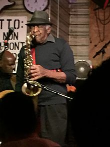 Eddie Shaw at Kingston Mines.JPG